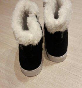 Новые ботинки. Размер 35-36