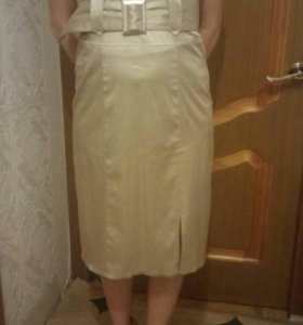 Платье цвета шампайн