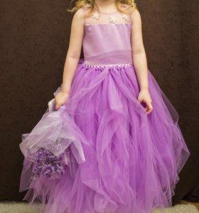 Нарядное праздничное пышное детское платье