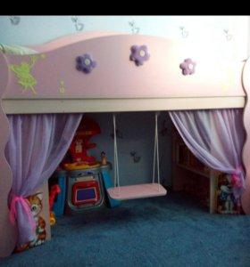 Детская кровать с качелей