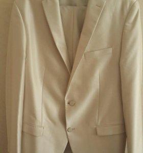 Мужской класический костюм 50 размер