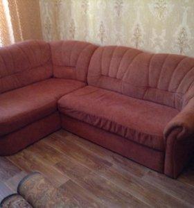 диван угловой и одно кресло