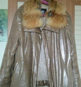 Куртка кожаная с синтепоном. Теплая и красивая.