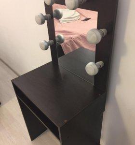 Столик для визажистов или столик с лампочками
