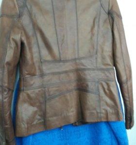 Продам кожан куртку