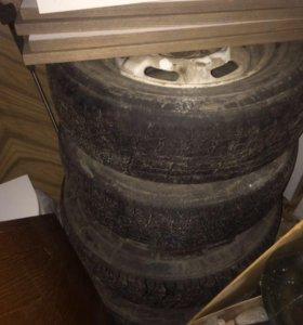 Штамповка с резиной .4 колеса