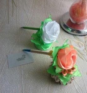 Ручка-цветок на подставке