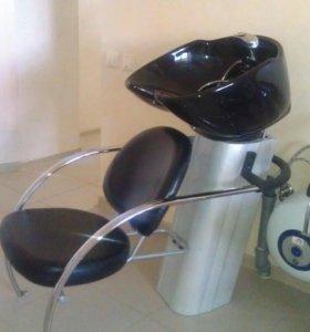 Мойка, кресла парикмахерские, зеркала, тележки