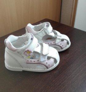 Ортопедические туфли для девочки бу