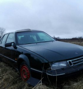 Автомобиль Saab 9000