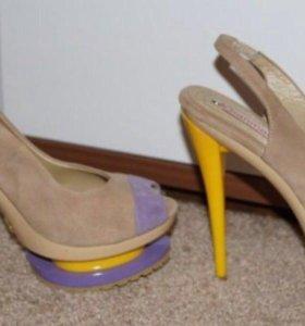 Туфли 39-40 новые