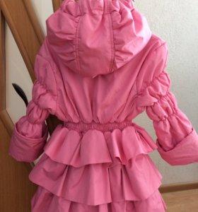 Красивое пальтишко на стройную девочку 2-3 года