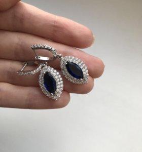 Серьги с синими камнями новые