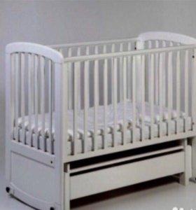 Кроватка, боковина, матрас для новорождённого