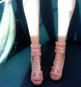 Барби с длинными волосами