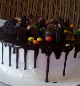 Торт с пломбирным кремом и с орехами