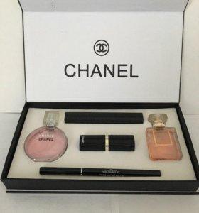 Набор парфюмерии и косметики