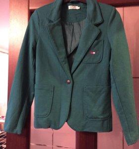 Продам новый пиджак LONG ISLAND, размер S, 44 р