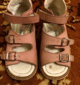 Ортопедические туфли/сандали для девочки