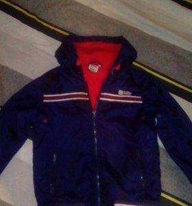 Куртка весенняя на подкладка флис