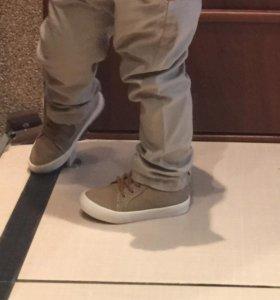 Обувь очень модная покупала в Zare