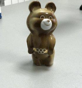 Фарфоровый олимпийский мишка 1980
