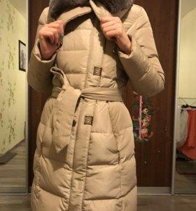 Пальто демисезонное с мехом енота