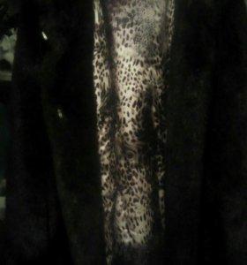 Шуба из исскуственого меха под норку с капюшоном