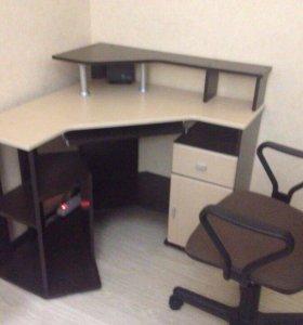 Компьютерный стол+кресло