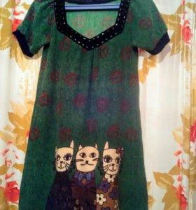 Модное платьице с кошечками