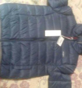 Куртка новая,152 размер(маломерка)
