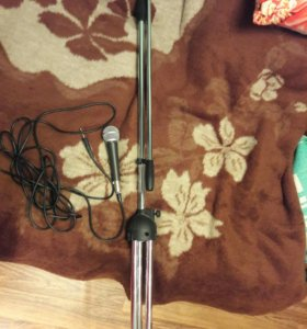 стойка с микрофоном