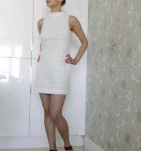 Белое ажурное платье HM