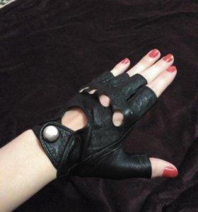 Кожаные перчатки обрезанные