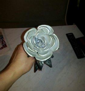 Металическая роза