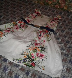 Платье продаю срочно