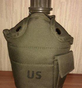 Фляжка пластиковая 1 л со стаканом в чехле США