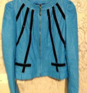 Курточка на весну. Яркая и стильная