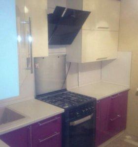 Кухня комбинированного цвета