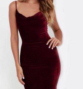 Вильветовое платье
