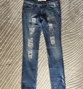 Продам джинсы Bllumarine