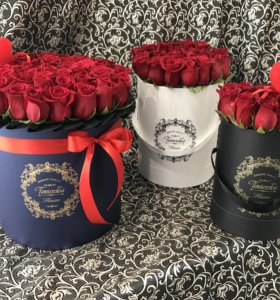 Букеты цветов Timinnka Flowers в шляпных коробках