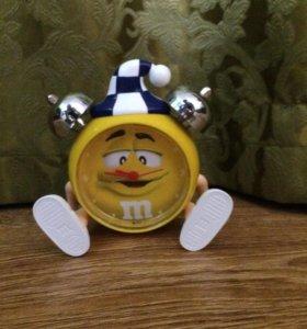 игрушка от эмемдемса будильник