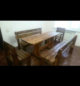 Столы и стулья из массива дерева под старину