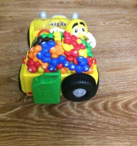 игрушка от эмемдемса машинка