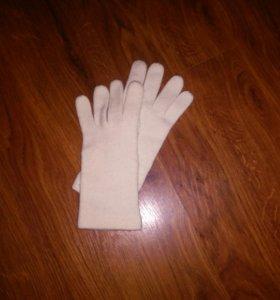 Перчатки молочного цвета