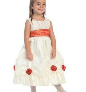Платье нарядное для девочки 6-8 лет