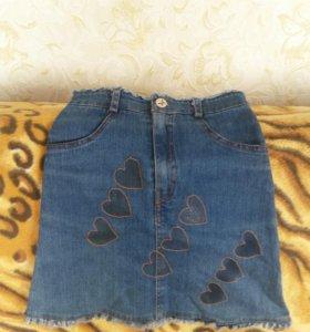 Юбка джинсовая на девочку, 10лет, примерно.