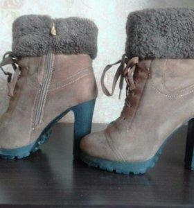 Зимние ботинки из замши
