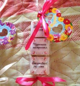 Подарок конфетная открытка